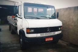 Caminhão 709 em ótimo estado - 1995