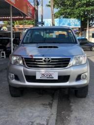 Hilux 4x4 automática diesel SUPER NOVA - 2013