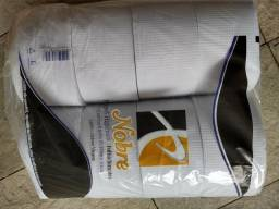 Vendo papel toalha e higienco