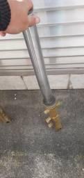 Canelas de hornet carburada e mesa do guidão