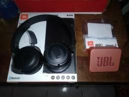 Fone JBL e caixinha de som JBL
