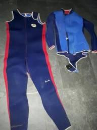 Roupa e equipamento de mergulho tamanho médio