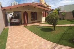 Casa com 5 dormitórios à venda, 220 m² por R$ 650.000 - Centro - Cascavel/PR