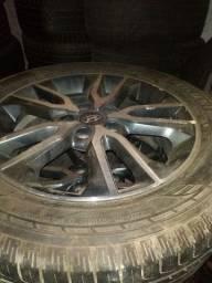 Roda da hiunday aro 17 com pneu seminovo