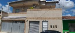 Casa com 2 quartos, 2 banheiros, sala, cozinha, área de serviço, no centro de Jaboatão