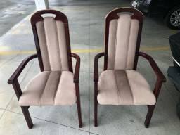 Conjunto de cadeiras com braço