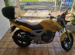Moto Honda CBX Twister 250cc Amarela