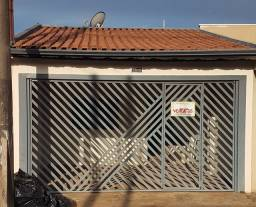 Vende-se - Casa c/ 3 Dormitórios / Araras/SP
