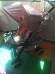 Título do anúncio: Vendo poltrona amamentação e carrinho de bebê