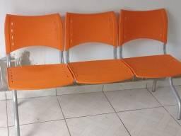 Trio de cadeiras/semi novas