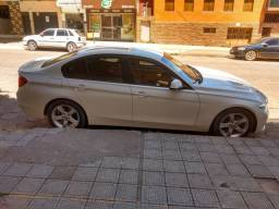 BMW 320i (extremamente nova)