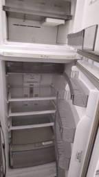 Título do anúncio: Geladeira geladeira geeeladeira