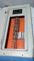Quadro de energia com barramento + disjuntores