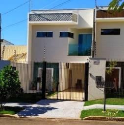 Sobrado no Jardim Higienópolis, 3 quartos, piscina e energia fotovoltaica