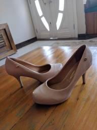 Título do anúncio: Sapato Vizzano, 40, scarpin verniz nude