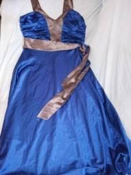 Vestido de azul com faixa Social.