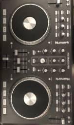 Controladora Mixtrack pro - numark