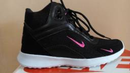 Bota Nike lançamento Jordan confortável