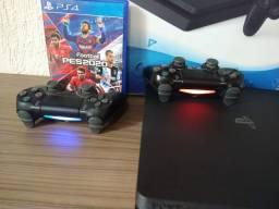 PS4 Slim 1TB com 2 controles