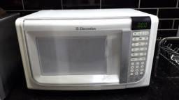 Forno Micro- ondas 31 (L)