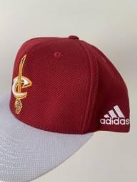 Boné Adidas - Cleveland Cavaliers