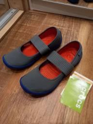 Tenis/sapatilha da marca Crocs - tamanho 36 - novo com etiqueta