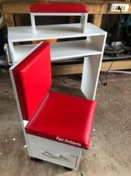 Vende-se essa cadeira em ótimo estado.