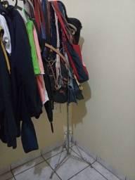 Título do anúncio: Arara de roupas