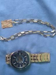 Relógio e cordão