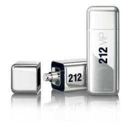 Perfume Carolina Herrera 212 vip men 100 ml original e lacrado