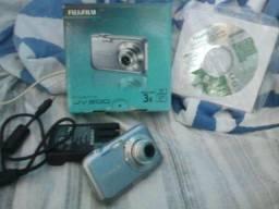 Câmera Fotográfica e filmadora da Fuljifilm - Finepix JV 200