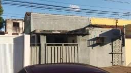 Casa situada no Centro da Capital de Teresina próxima de Clinicas, Hospitais e Escolas