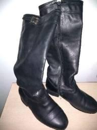 Bota masculina preta