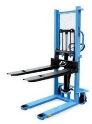 Empilhadeira Manual Paletrans LM 1516 capacidade 1,5 toneladas e elevação 1,60 metros