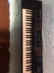 Simtetizador Roland Juno DI