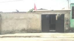 Alugo Casa no Conjunto Esperança Bem Localizada