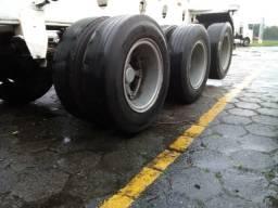 Vendo ano 74 com pneus meia vida, documentos em dia, só transferir