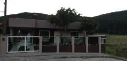 Alugo casa em Bombinhas SC c/ piscina 800 mts da Praia