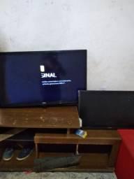 Televisão só trocar a tela das duas ou retira as peças .