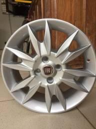 Uma roda Fiat Punto