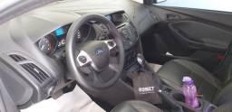 Focus sedan 13/14 automático 2.0 muito conservado