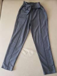 Calça pantacourt de tecido estilo clochard