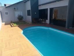 Casa confortável, churrasqueira, hidromassagem e  piscina