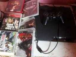 Vídeo Game PlayStation 3 muito bom com o volante e o pedal