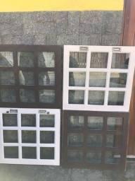 Vendo 4 janelas