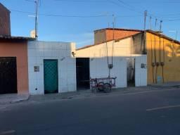 Vende-se Três casas em Maracanaú