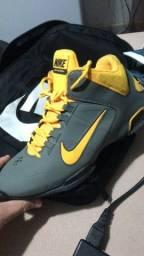 Tenis Nike air max e kobe Bryant originais 41 R$ 170,00
