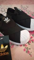 Tênis Adidas número, 22