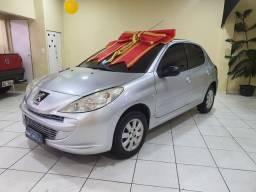 ¥ Peugeot 207 xr 1.4 $24.900....corre p boulevard automóveis