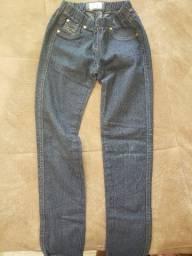 Calça Jeans Detalhes Coração - 8 anos
